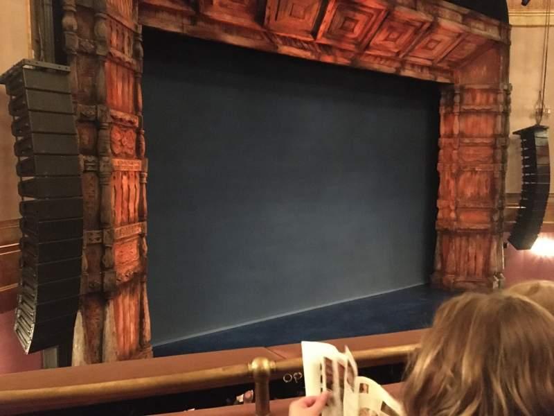 Vista sentada para St. James Theatre Secção Mezzanine L Fila B Lugar 17