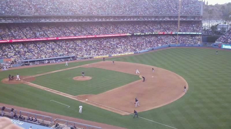 Vista sentada para Dodger Stadium Secção 32RS Fila A Lugar 6