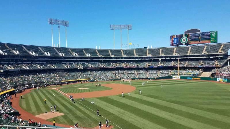 Vista sentada para Oakland Coliseum Secção 204 Fila 5 Lugar 5