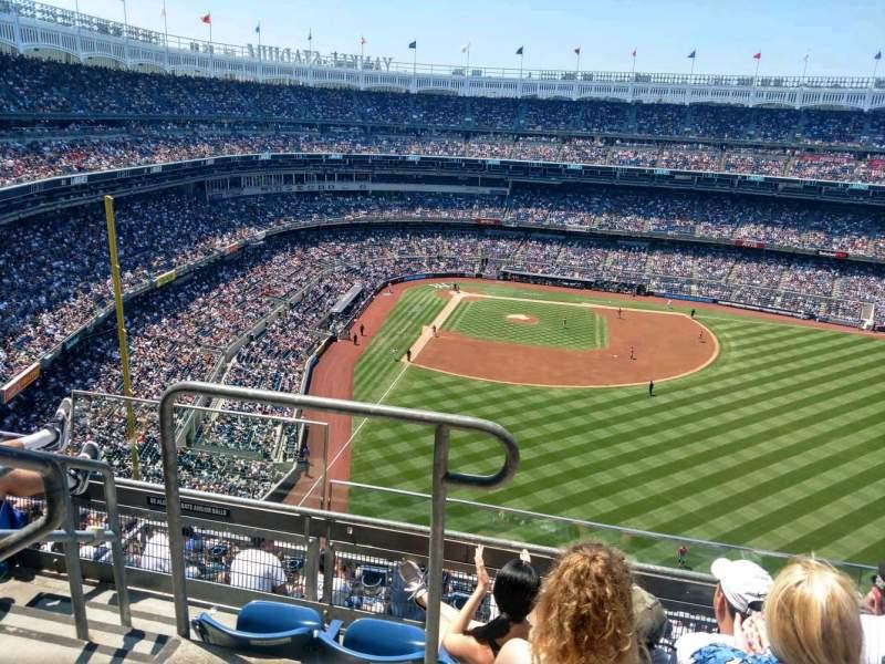 Vista sentada para Yankee Stadium Secção 405 Fila 4 Lugar 18