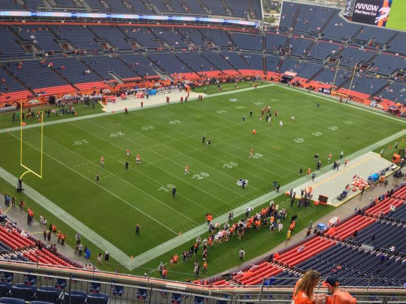 Vista sentada para Broncos Stadium at Mile High Secção 517 Fila 13 Lugar 13