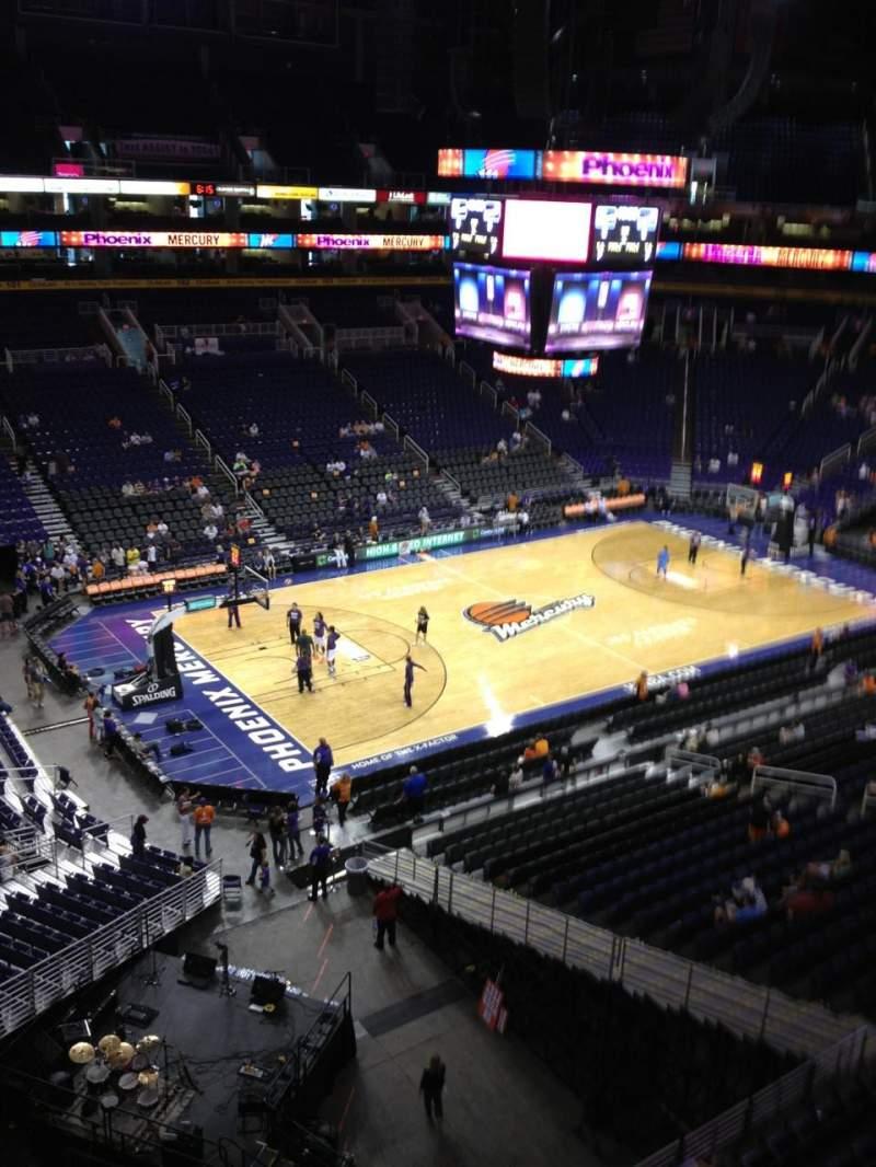 Vista sentada para PHX Arena Secção 223 Fila 1 Lugar 2