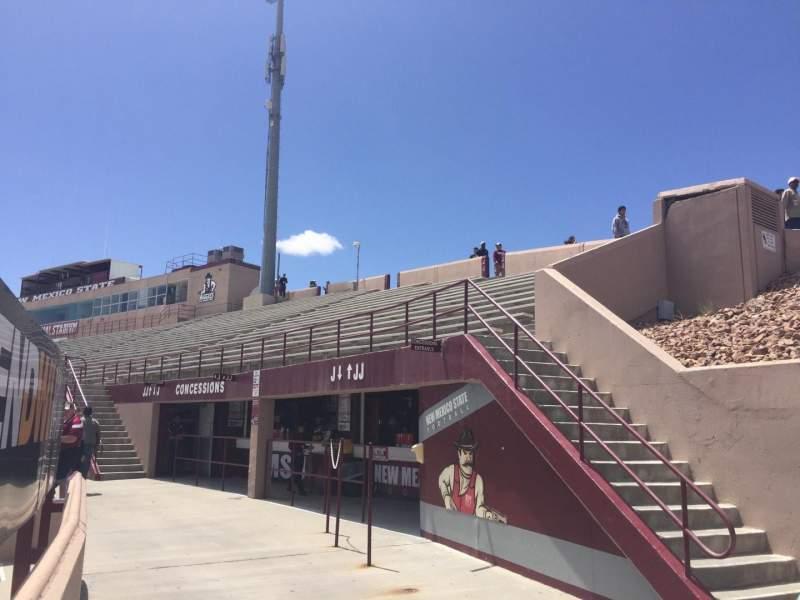 Vista sentada para Aggie Memorial Stadium