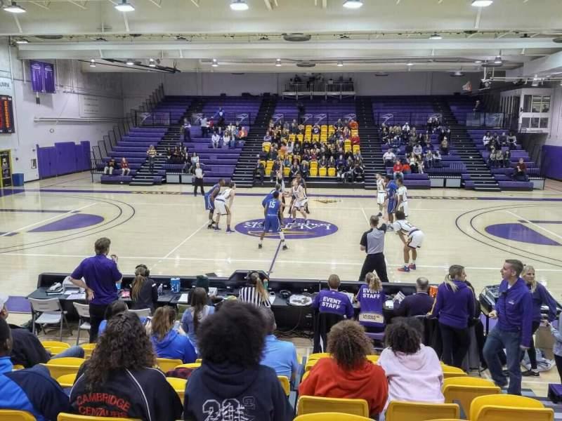 Vista sentada para Golden Hawks Athletic Complex Secção GA