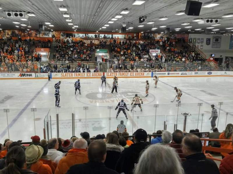 Vista sentada para Slater Family Ice Arena Secção C Fila 14 Lugar 13