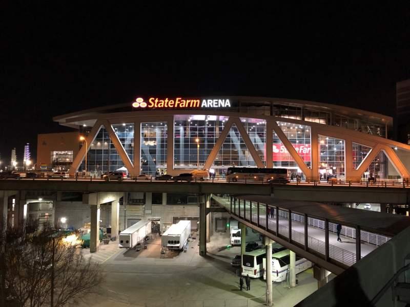 Vista sentada para State Farm Arena Secção Exterior