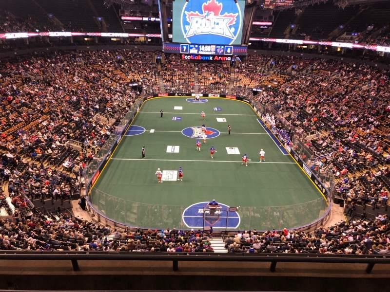 Vista sentada para Scotiabank Arena Secção 303 Fila 4 Lugar 13