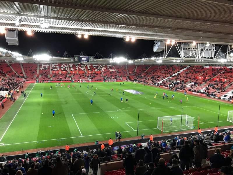 Vista sentada para St Mary's Stadium Secção 45 Fila MM Lugar 1169