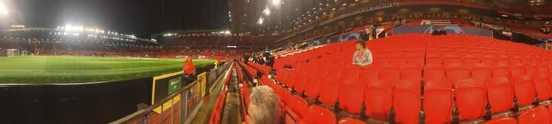 Vista sentada para Old Trafford Secção N1404 Fila BB Lugar 240