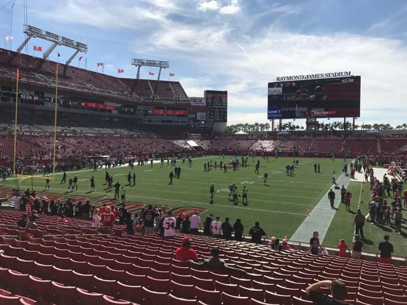 Vista sentada para Raymond James Stadium Secção 150 Fila W Lugar 18-20