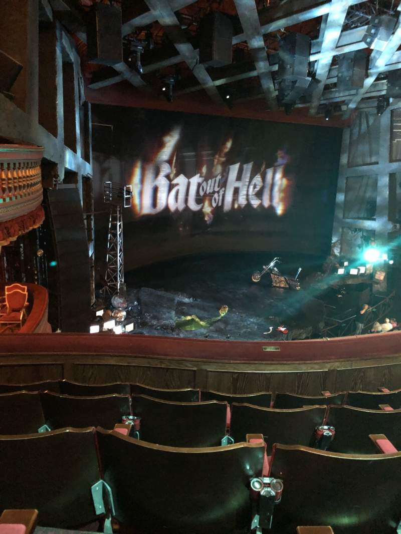 Vista sentada para Dominion Theatre Secção Circle Fila E Lugar 48