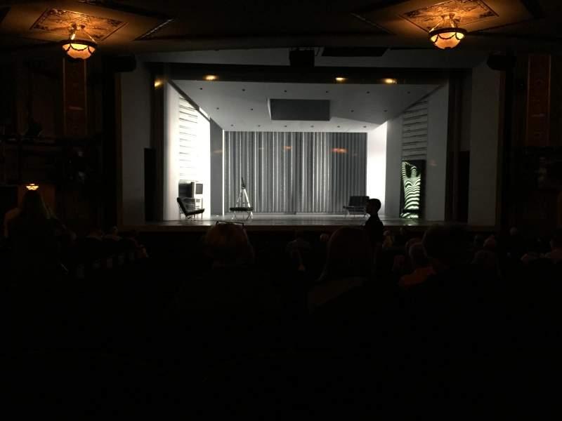 Vista sentada para Gerald Schoenfeld Theatre Secção Orchestra C Fila R Lugar 102