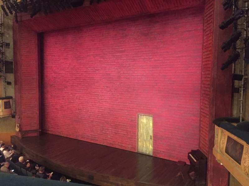 Vista sentada para Shubert Theatre Secção Mezzanine R Fila A Lugar 14