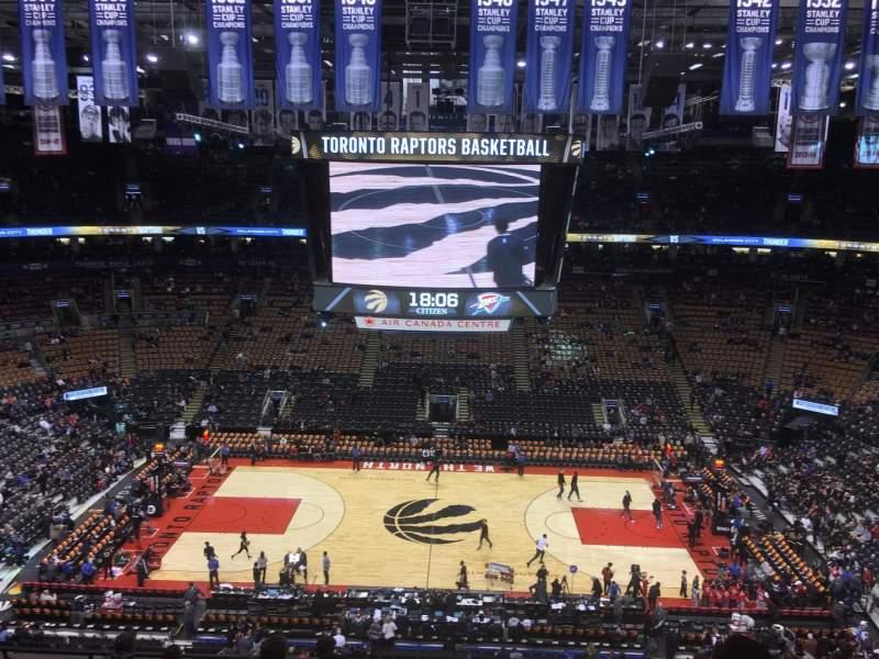 Vista sentada para Scotiabank Arena Secção 321 Fila 9 Lugar 10