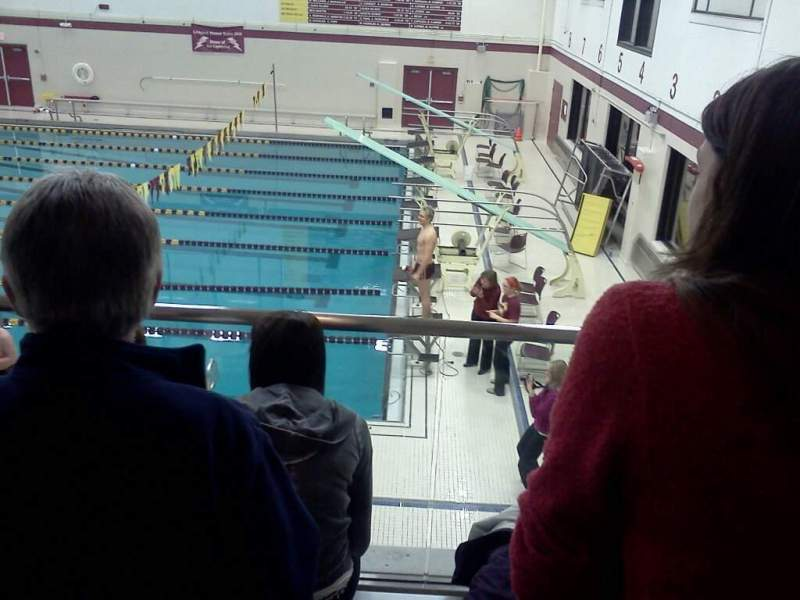 Vista sentada para Lockport High School Swimming Place Secção 3 Fila 3 Lugar 5