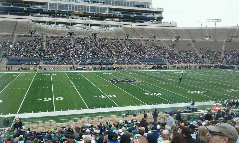 Vista sentada para Notre Dame Stadium Secção 11 Fila 33 Lugar 24