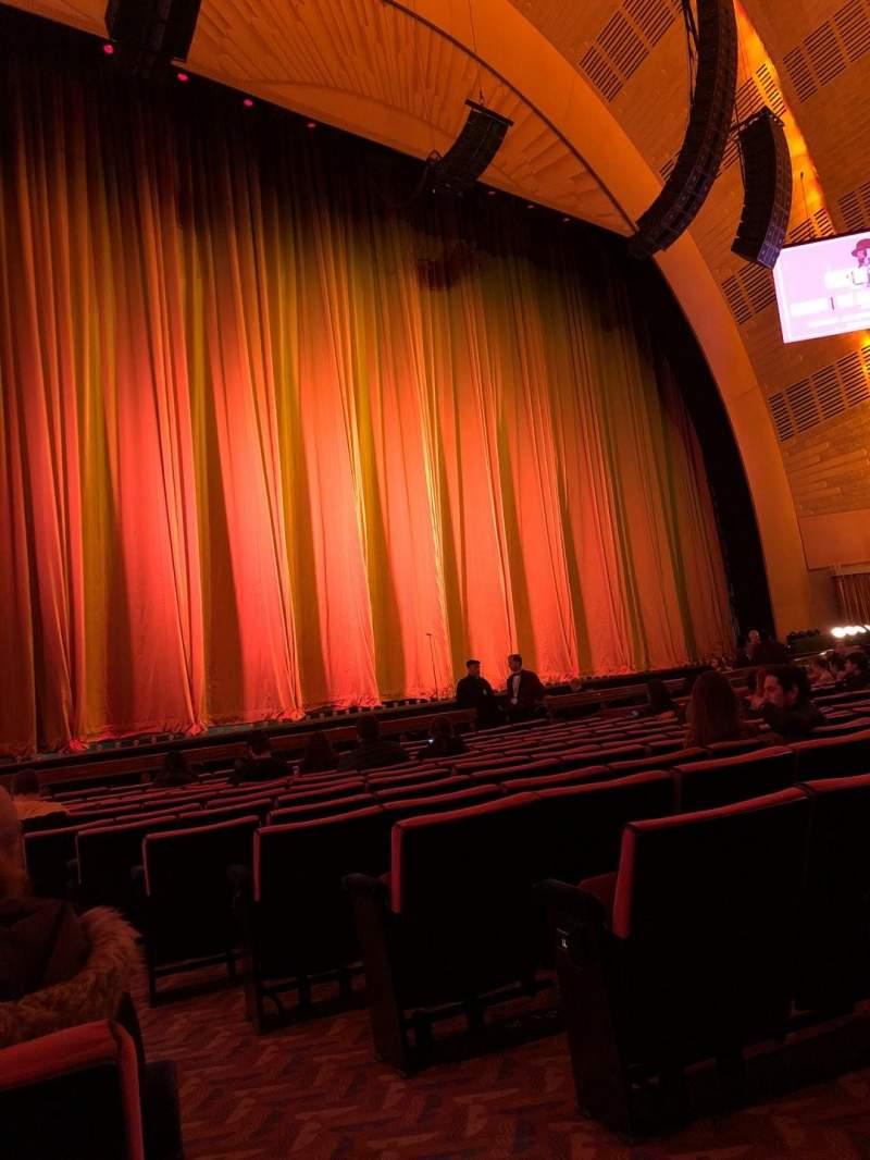 Vista sentada para Radio City Music Hall Secção Orchestra 6 Fila OO Lugar 601