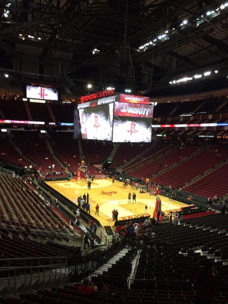 Toyota Center, Secção 102, Fila 29, Lugar 18   Houston Rockets Vs San  Antonio Spurs, Partilhado Por Seebre77