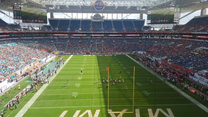 Vista sentada para Hard Rock Stadium Secção 305 Fila 2 Lugar 2