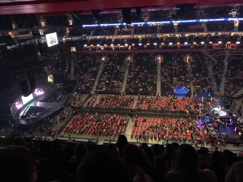 Vista sentada para Little Caesars Arena Secção 226 Fila 6 Lugar 11