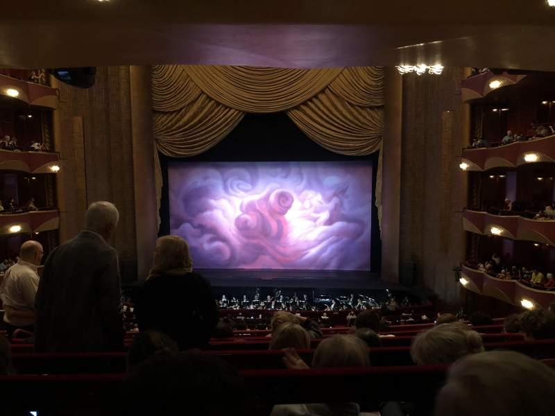 Vista sentada para Metropolitan Opera House - Lincoln Center Secção Grand Tier Fila F Lugar 110
