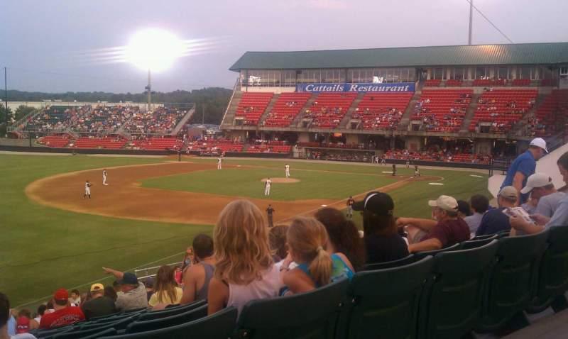 Vista sentada para Five County Stadium Secção GA