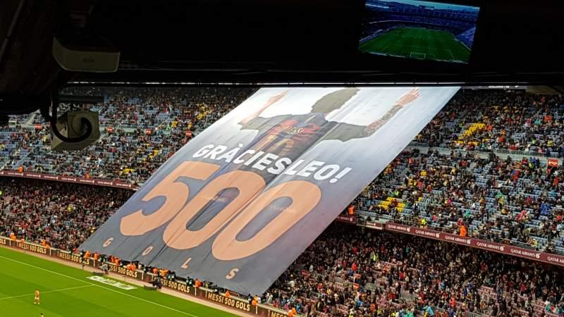 Vista sentada para Camp Nou Secção 317 Fila 34 Lugar 04