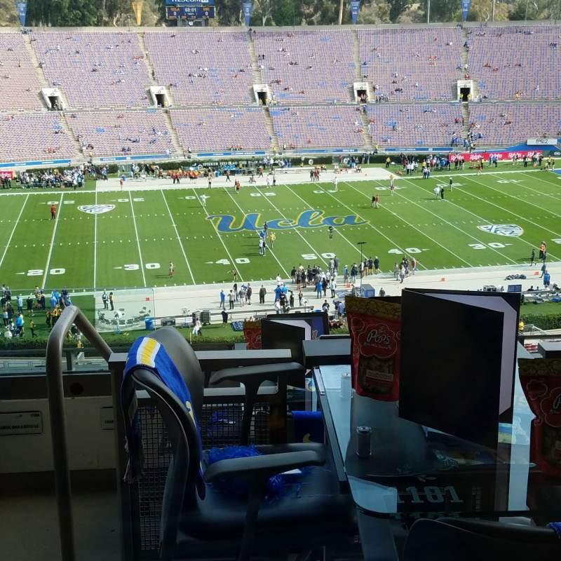 Vista sentada para Rose Bowl Secção Club D1201 Fila Loge Lugar 4