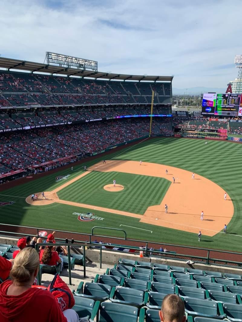 Vista sentada para Angel Stadium Secção 426 Fila I Lugar 2