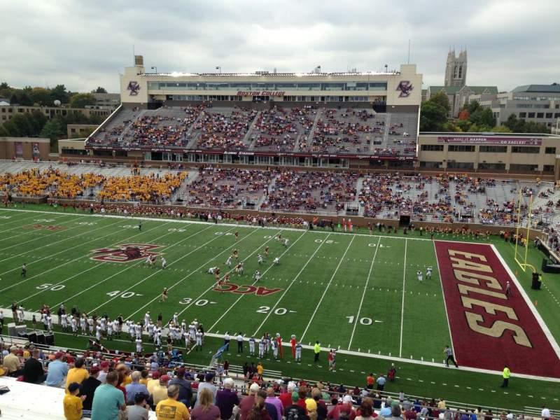 Vista sentada para Alumni Stadium Secção TT Fila 19 Lugar 7