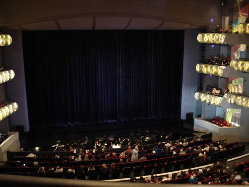 Vista sentada para Kauffman Center for Performing Arts Secção Grand Terrance Fila BBB Lugar 103