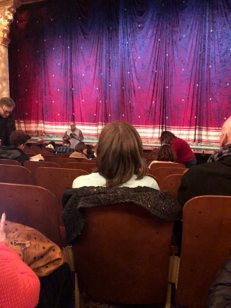 Vista sentada para Booth Theatre Secção Orchestra C Fila J Lugar 118