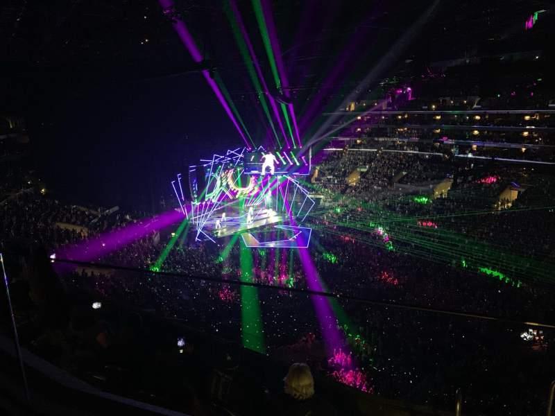 Vista sentada para Staples Center Secção 315 Fila 6 Lugar 2