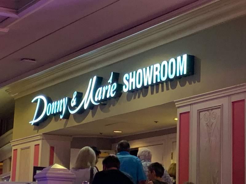 Vista sentada para Donny & Marie Showroom