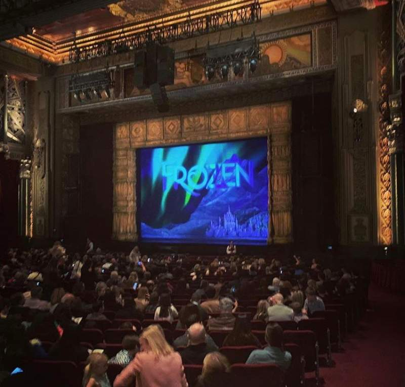 Vista sentada para Hollywood Pantages Theatre Secção Orchestra R Fila XX Lugar 16