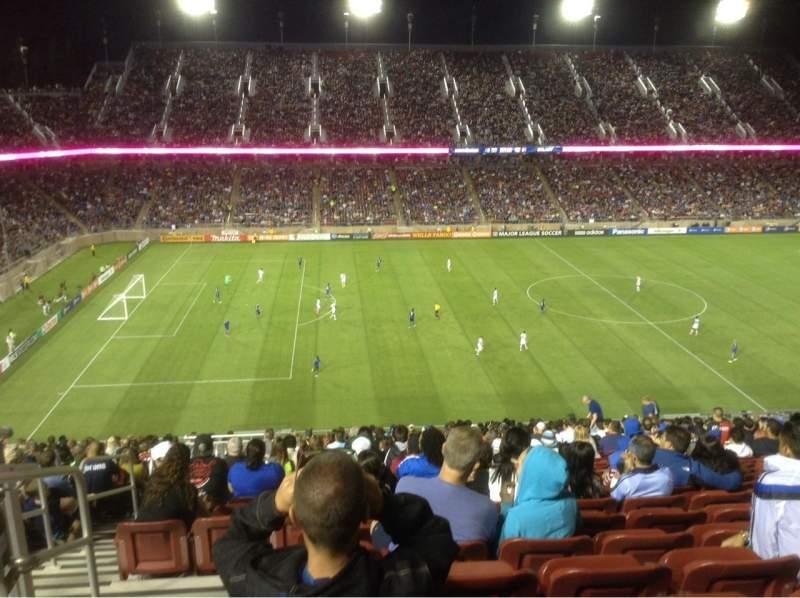 Vista sentada para Stanford Stadium Secção 215 Fila BB Lugar 20-21