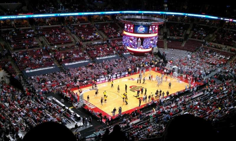 Vista sentada para Value City Arena Secção 327 Fila S Lugar 4