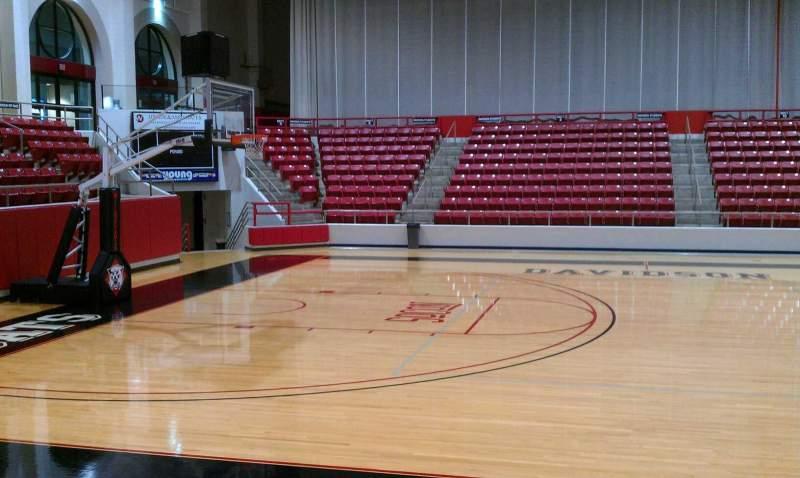Vista sentada para John M. Belk Arena Secção 9 Fila D Lugar 3