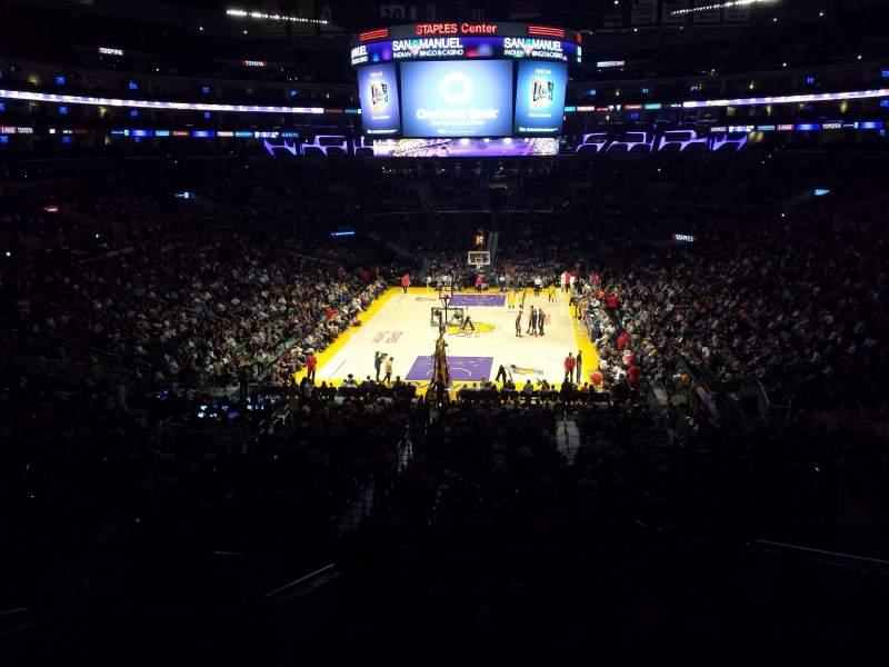 Vista sentada para Staples Center Secção Suite A27 Fila 1 Lugar 1