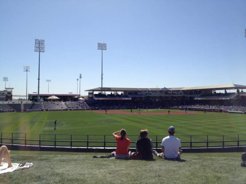 Vista sentada para Surprise Stadium Secção Lawn