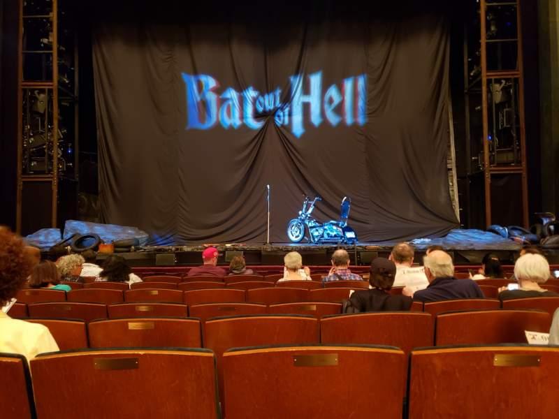 Vista sentada para Mainstage at the New York City Center Secção Orchestra C Fila H Lugar 111