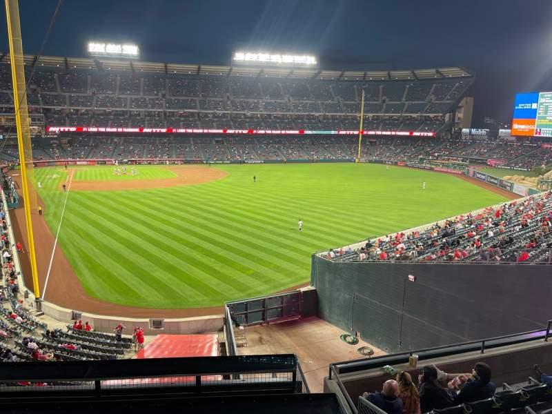 Vista sentada para Angel Stadium Secção 351 Fila Tbl 2 Lugar 1