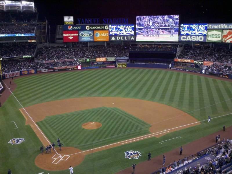 Vista sentada para Yankee Stadium Secção 319 Fila 4 Lugar 8