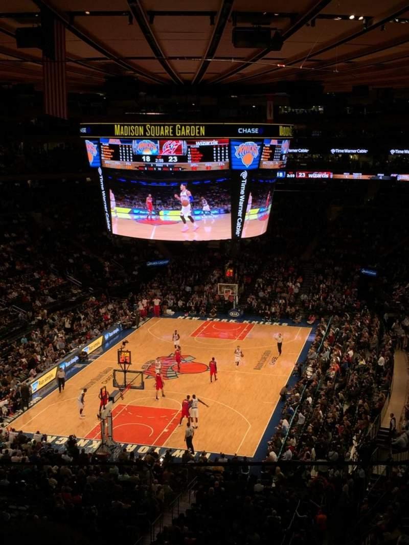 Vista sentada para Madison Square Garden Secção 418 Fila 2 Lugar 8