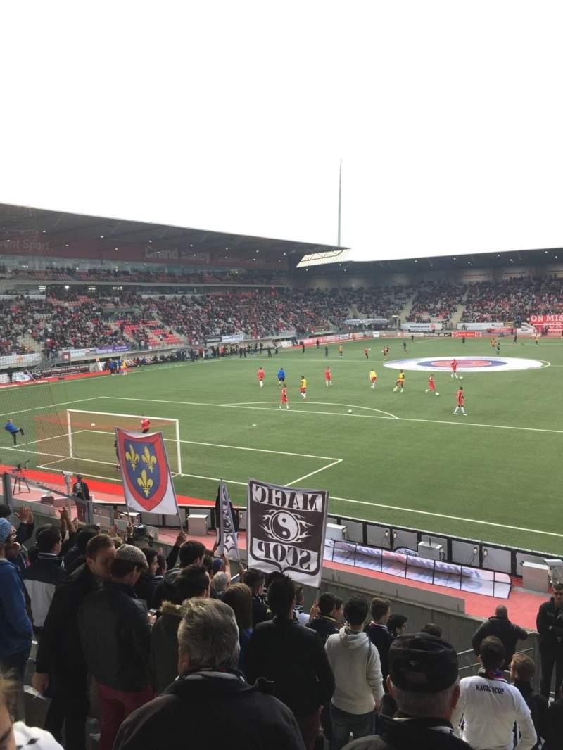 Vista sentada para Stade Marcel-Picot Secção Tribune Schuth Fila Parcage Lugar Visiteur