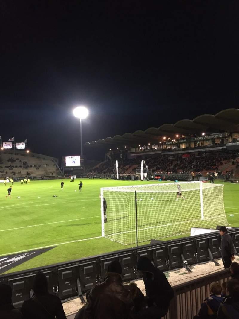 Vista sentada para Stade Raymond Kopa Secção Coubertin Fila F Lugar 125