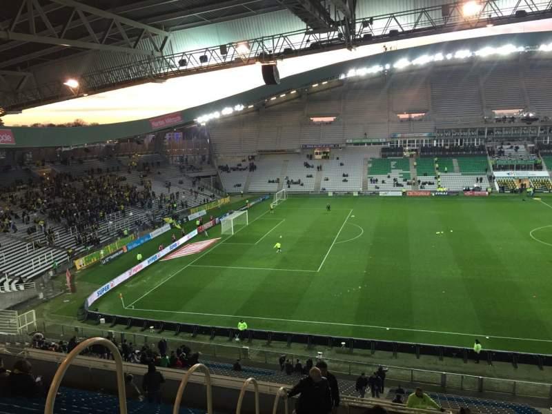 Vista sentada para Stade de la Beaujoire Secção Oceane Haut Fila Q Lugar 168