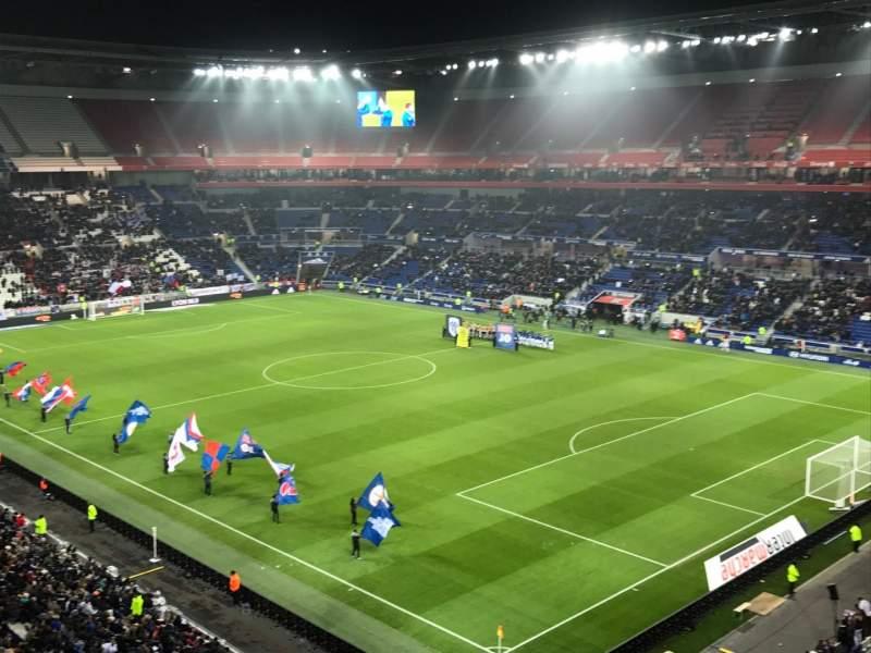 Vista sentada para Parc Olympique Lyonnais Secção 401 Fila 2 Lugar 1