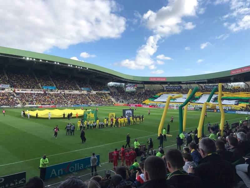 Vista sentada para Stade de la Beaujoire Secção Presidentielle Fila O Lugar 205