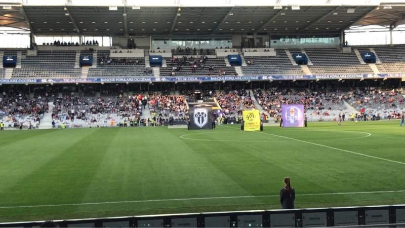 Vista sentada para Le Stadium de Toulouse Secção Honneur Sud Fila 14 Lugar 225